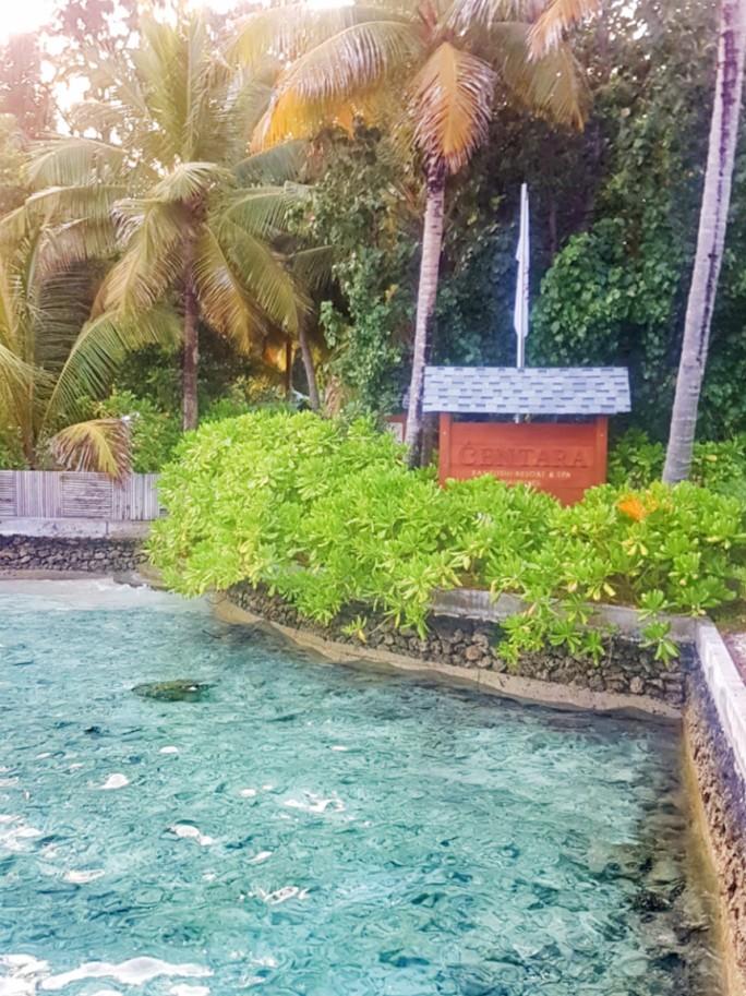 welcome sign of Centara Ras Maldives
