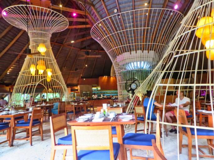 inside oceans restaurant
