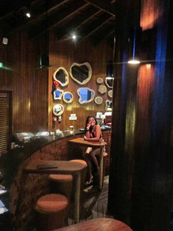 vue bar at night