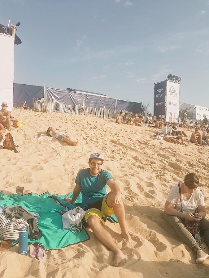 Le hubby enjoying the sun (2).jpg