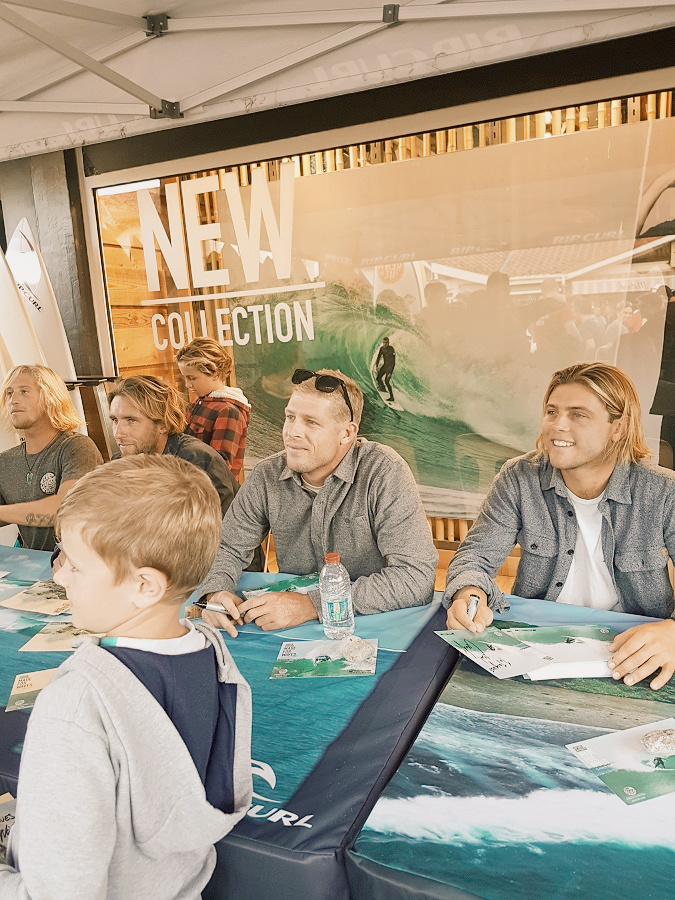 Mick Fanning signing with the Rip Curl team (2).jpg
