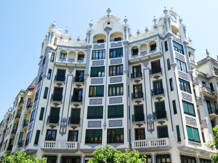 Belle Epoque buildings in Gros