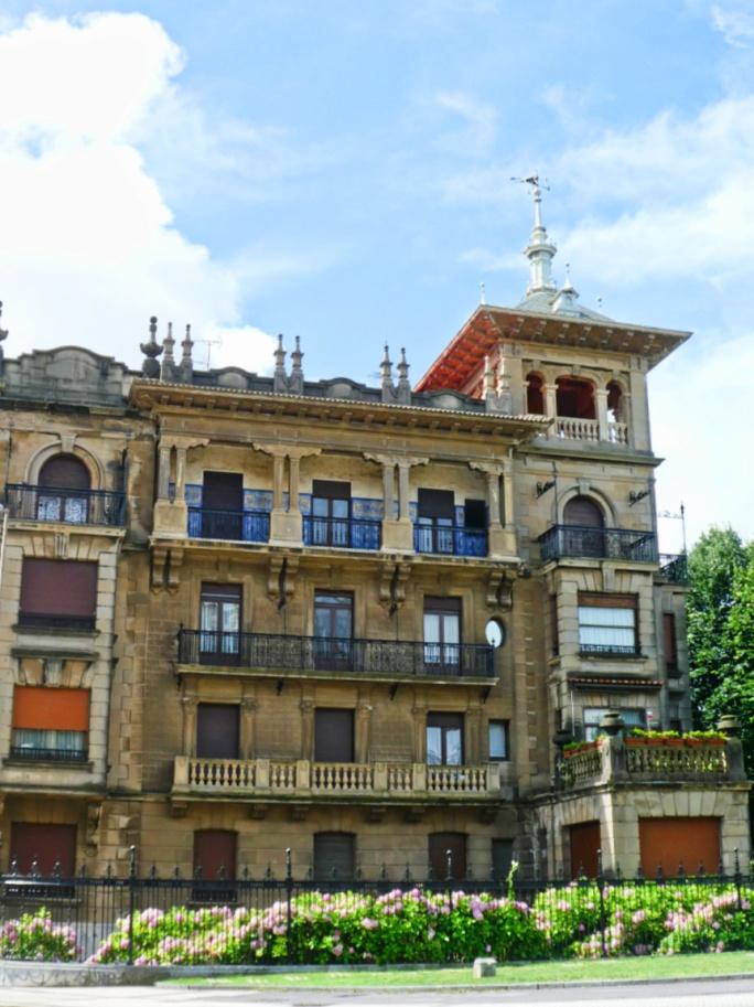 Buildings in Gros