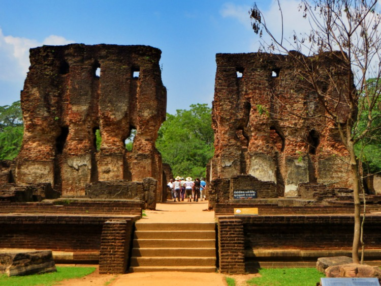 steps leading to the central hall of the palace of king parakramabahu in the ancient city of polonnaruwa