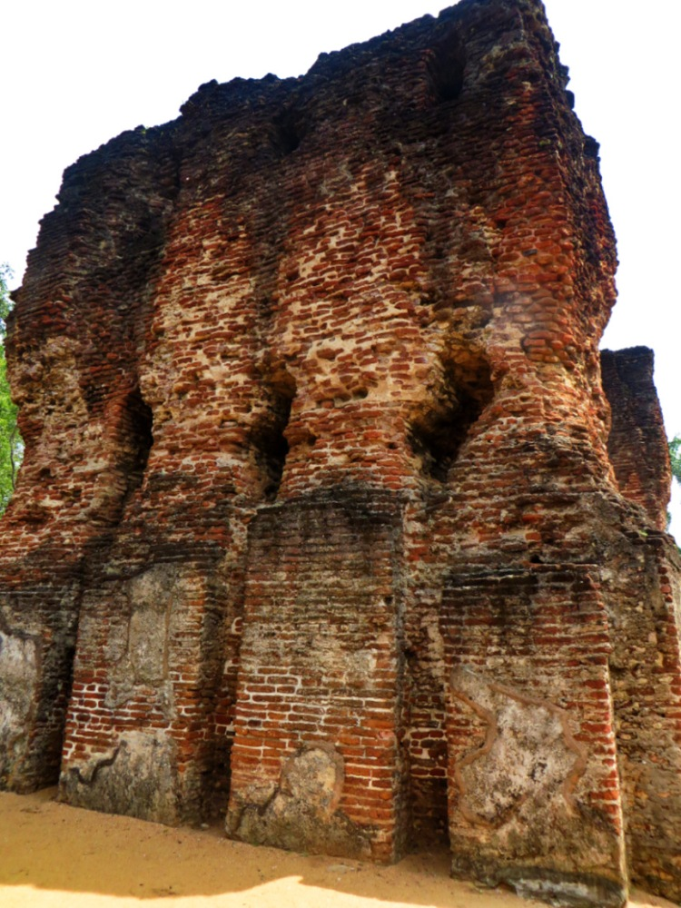 exposed brick wall in the ruins of the palace of king parakamabahu in the ancient city of polonnaruwa
